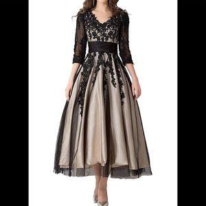 8e9e9013e208 Dresses & Skirts - Women's Black Lace Applique Tulle Long Formal